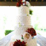 11 Tendances pour vos gâteaux de mariage à connaître en 2021 (selon les meilleurs boulangers)
